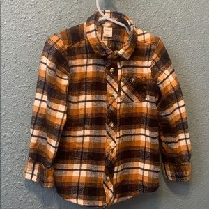 Boy's Old Navy flannel shirt size 5t